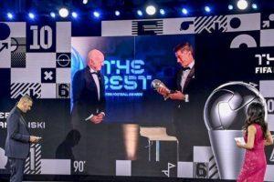 【德甲】历史上首位!莱万多夫斯基当选2020年世界足球先生!